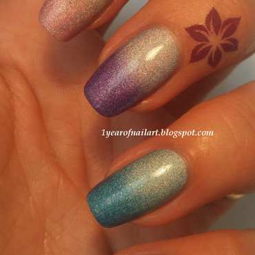 Holo gradient nails nail art by Margriet Sijperda