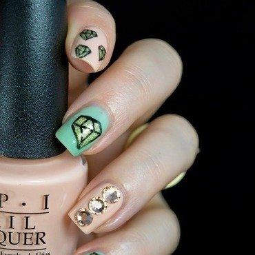 Diamond Nails nail art by  Petra  - Blingfinger