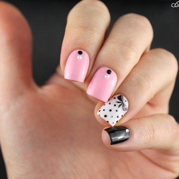 Girly skittlette nail art by Cocosnailss