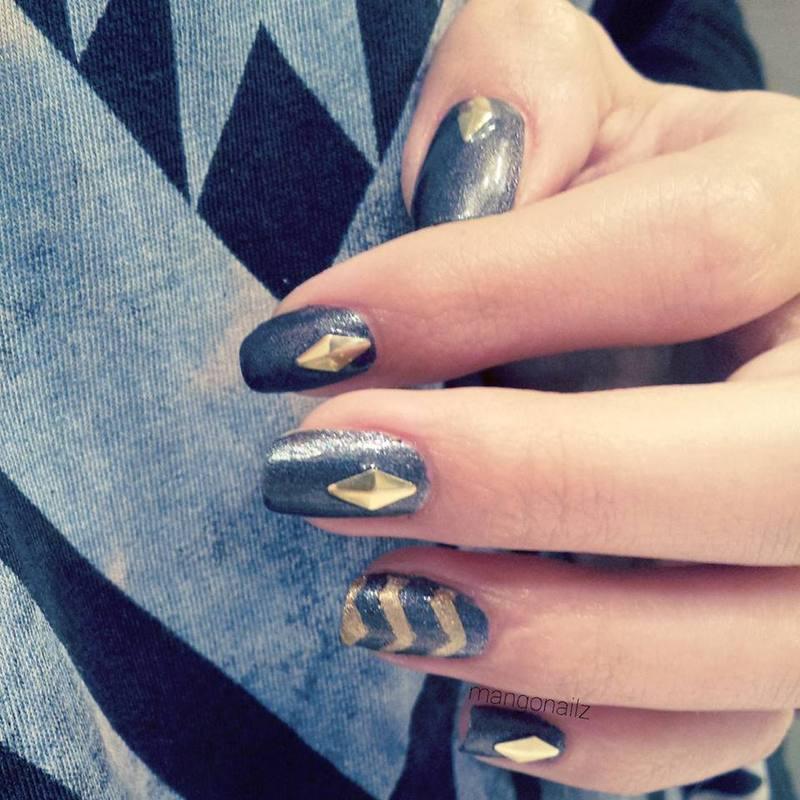Classy evening nail art by Mango Nailz