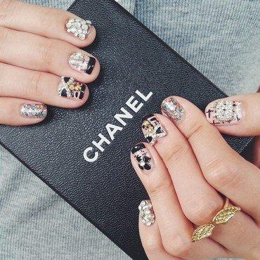 Chanel inspired nails♡ nail art by Shenny Yang