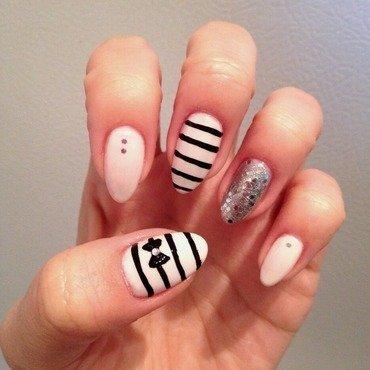 It's a Marshmellow World  nail art by Elaina