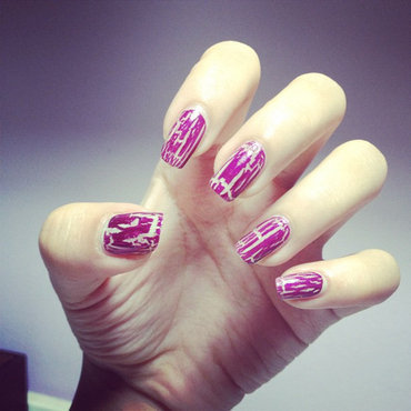 Cracked nails nail art by Luxi Zhang