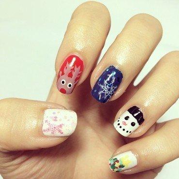 Xmas Nail art nail art by Luxi Zhang