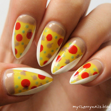Pizza nail art by Pauline
