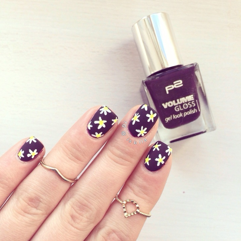 Oopsie Daisy nail art by Isabella