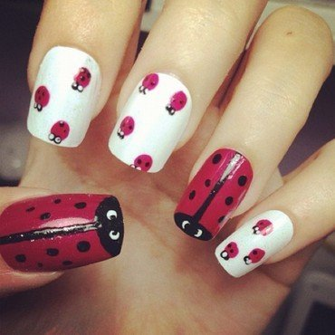 Ladybug nails nail art by Luxi Zhang