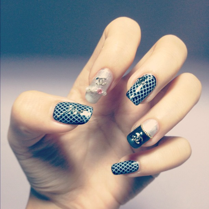 Chanel Quilted Nails Nail Art By Luxi Zhang Nailpolis Museum Of