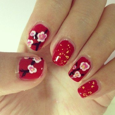 Sakura Nails nail art by Luxi Zhang