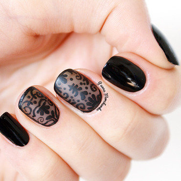 BLACK BAROQUE NAILS nail art by Panna Marchewka