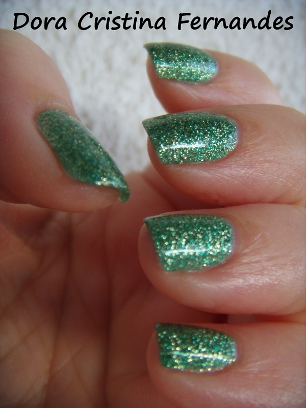 China Glaze This Is Tree-Mendous Swatch by Dora Cristina Fernandes
