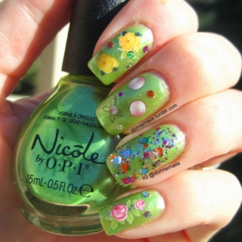 Roses nail art by Donner