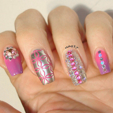 Gradient Bling nail art by Nora (naq57)