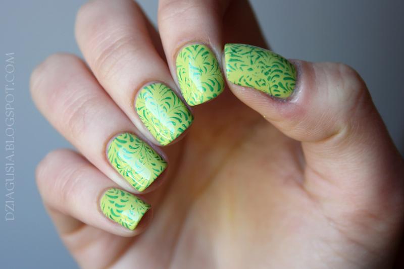 Green stamping. nail art by Magda
