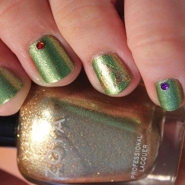 Legend of Zelda nail art by moon doggo