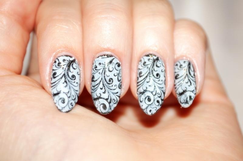 vintage nail art by Carolina