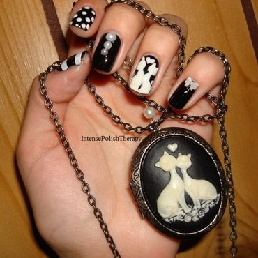 Black & white cat nail art  nail art by IntensePolishTherapy Anita