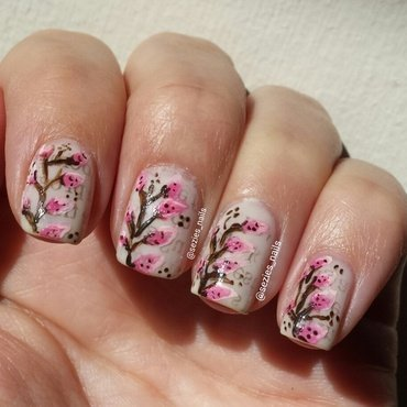 lillys nail art by Sarah Bellwood