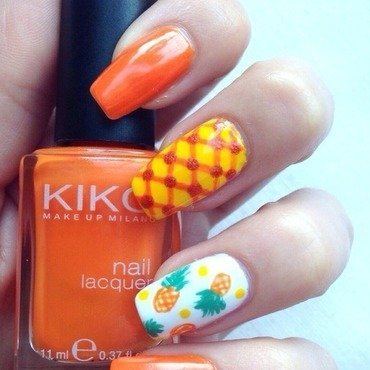 Pineapple-Party 🎉🍍 nail art by tesaw
