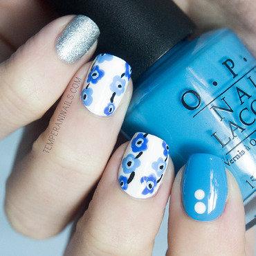 Marimekko inspired nail art by Temperani Nails