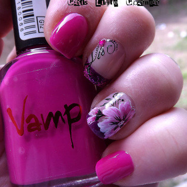 <3 nail art by Cris'