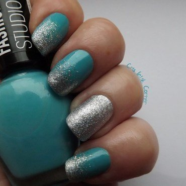 Turquoise and glitter nail art by Cris'