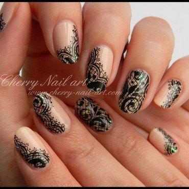 Nail art dentelle et paillettes a la peinture acrylique 5 thumb370f