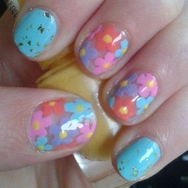 spring flowers nail art by Loes