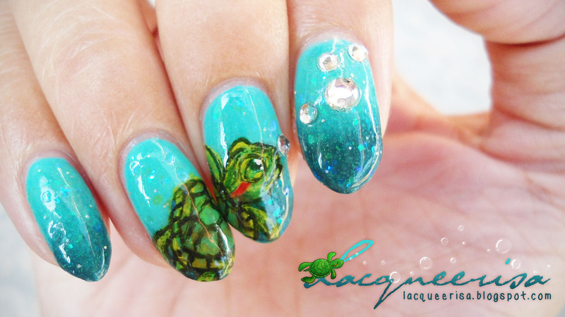 Bubbles and A Turtle nail art by Lacqueerisa