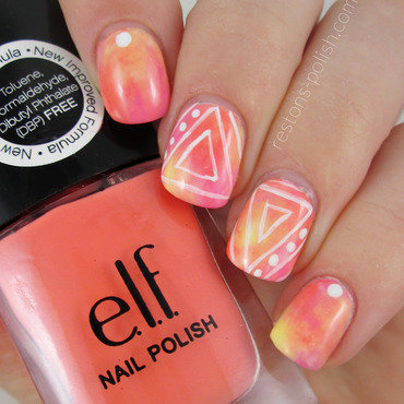 Triangles nail art by Restons polish