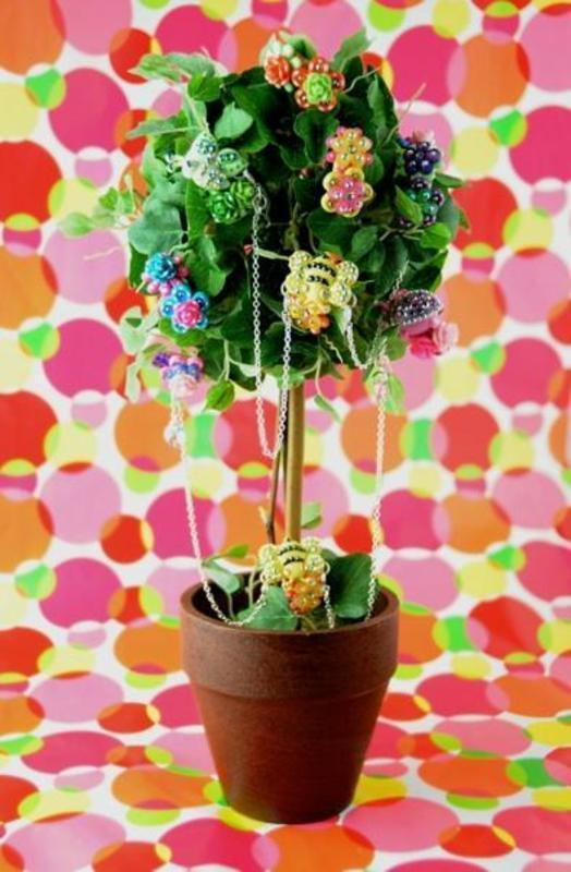 Polka Dot Queen by BellaGemaNails nail art by BellaGemaNails