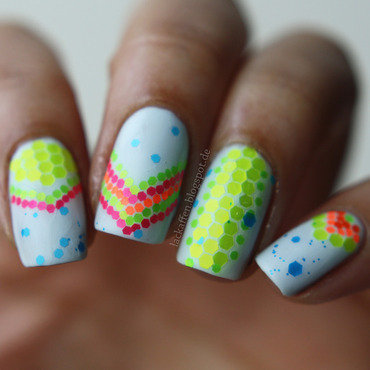 Neon glitter graffiti nail art by Tartelette