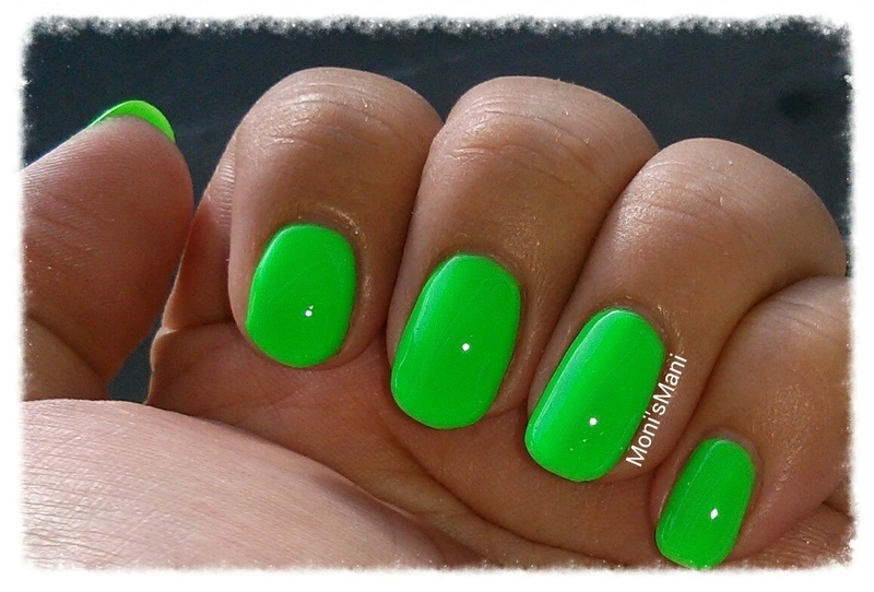 tip top nails as the beat grows on Swatch by Moni'sMani