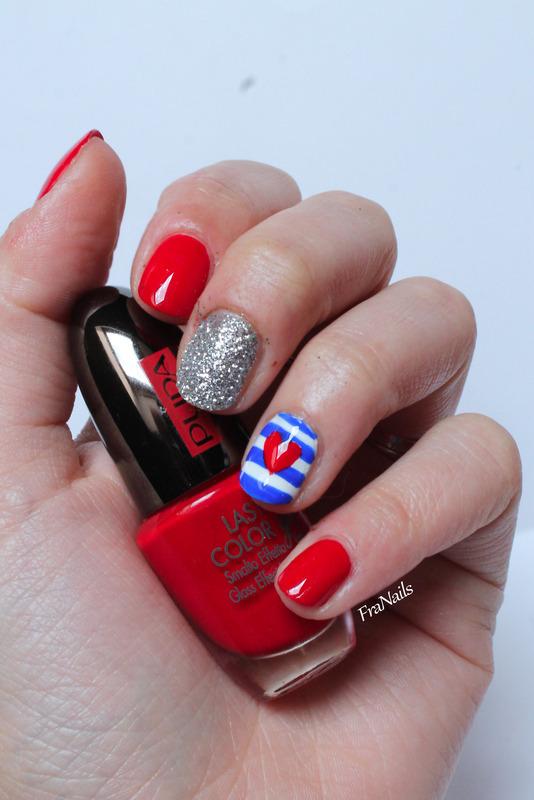 SmaltoPedia#10 - Heart Marine nail art by Fran Nails