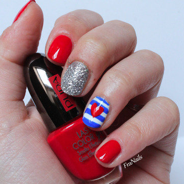 SmaltoPedia#10 - Heart Marine nail art by Fran Nails