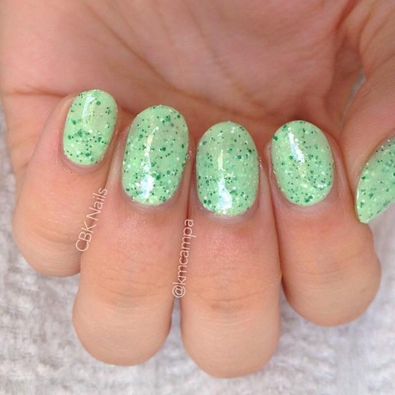 Mod Lacquer Minty Kiss Swatch by Kasey Campa