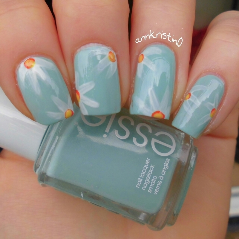 Daisy Nails nail art by Ann-Kristin