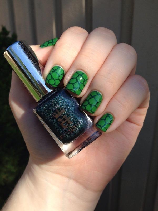 Turtle nail art nail art by Janita