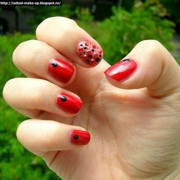 Red stoned nails nail art by Teo