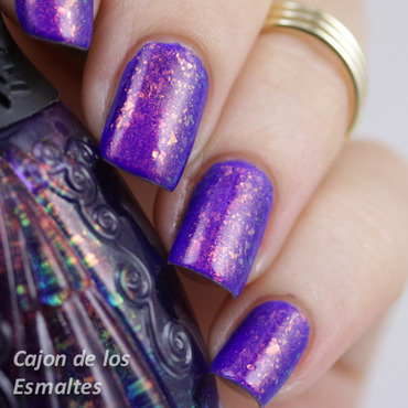 Nails Inc Baker Street and Nfu Oh 51 Swatch by Cajon de los esmaltes