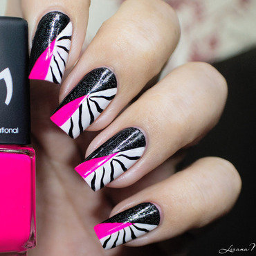 Twin Eternail - Pink & Black Zebra  nail art by Lizana Nails
