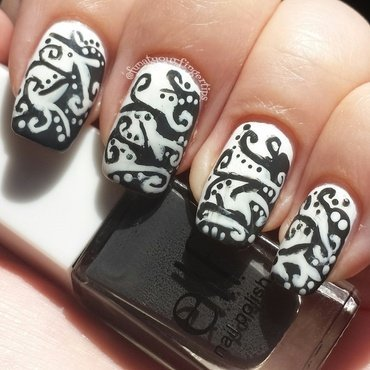 Illusionistic nail art by funatyourfingertips
