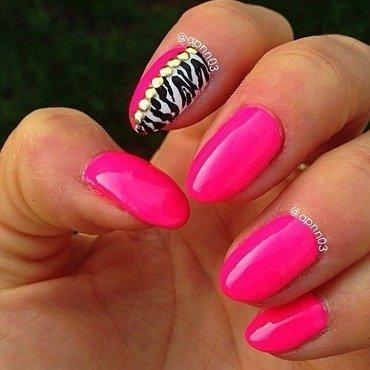 Sassy Neon Leopard nail art by Amanda