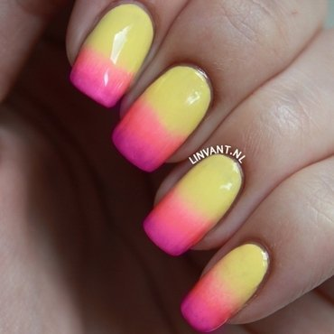 """Thermo"" Gradient nail art by Lin van T"