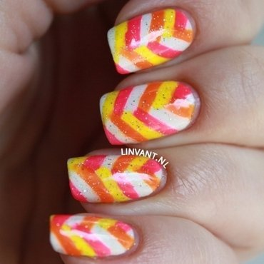 Neon Braid nail art by Lin van T