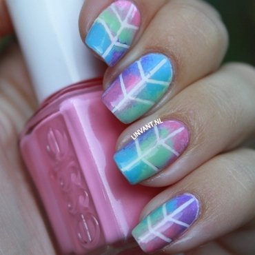 Birds Of A Feather nail art by Lin van T