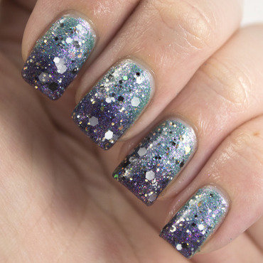 Sparkle Gradient nail art by Marisa  Cavanaugh