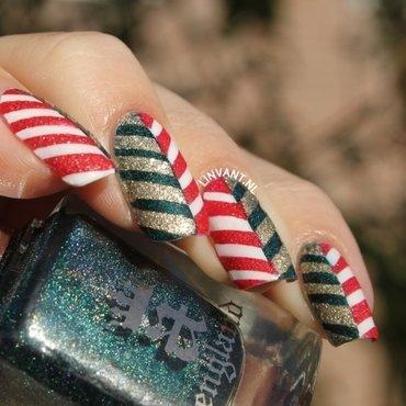 Christmas Chevrons nail art by Lin van T