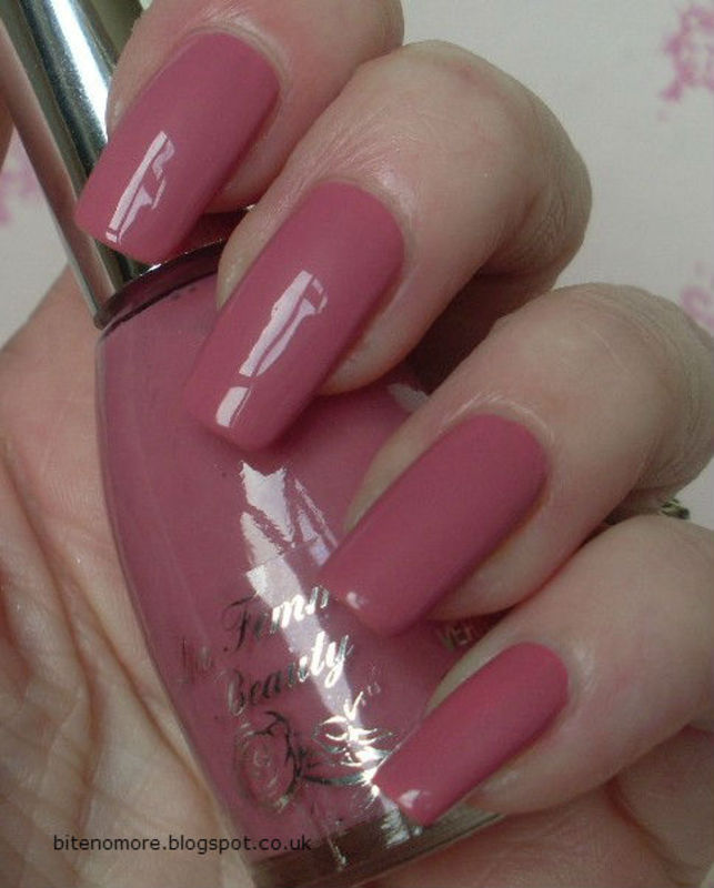 La Femme Cafe Monceau Swatch by Tracey - Bite no more - Nailpolis ...