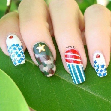Remembering Heroes nail art by Nora (naq57)
